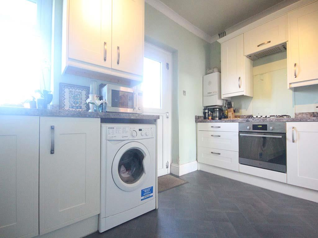 2 bedroom end terrace house For Sale in Winewall - IMG_7322.jpg